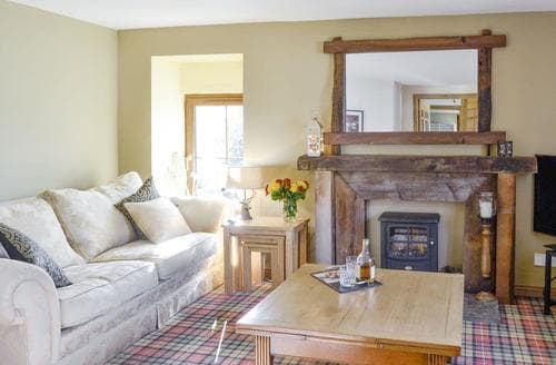 Last Minute Cottages - Oakridge Steading