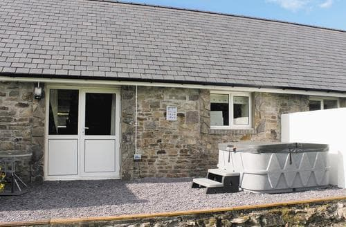 Last Minute Cottages - Attractive Llandeilo Lodge S34813