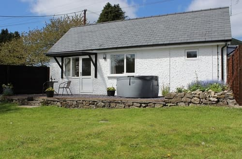 Last Minute Cottages - The Lodge