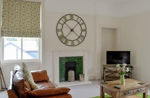 Last Minute Cottages - The Apartment at Holmpark