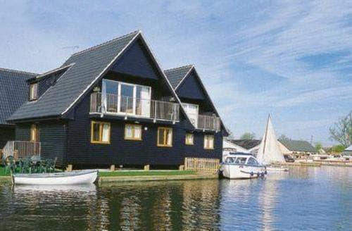 Big Cottages - Quaint Wroxham Lodge S17720