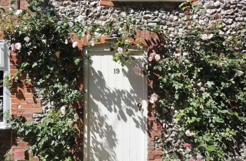 Last Minute Cottages - Portland Cottage