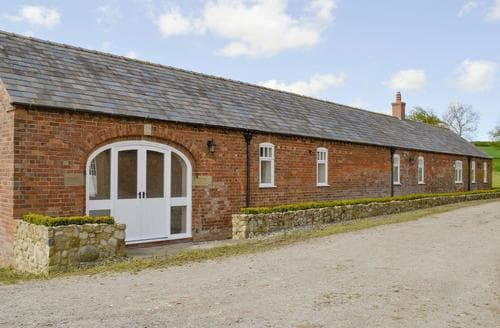 Last Minute Cottages - Quaint Market Rasen Lodge S80603