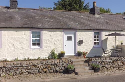 Last Minute Cottages - Cosy Dumfries Cottage S105240