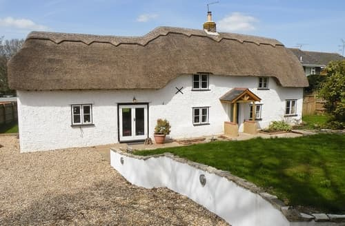 Last Minute Cottages - Exquisite Burley Cottage S14092