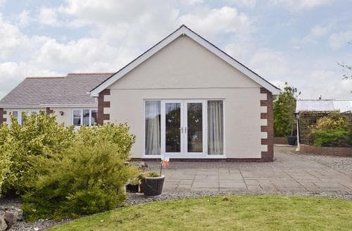 Big Cottages - Superb Beaumaris Cottage S49997