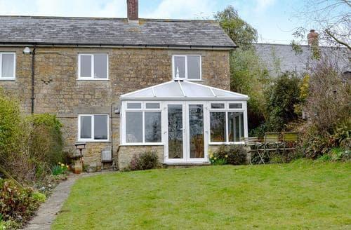 Last Minute Cottages - Attractive Bridport Cottage S19700
