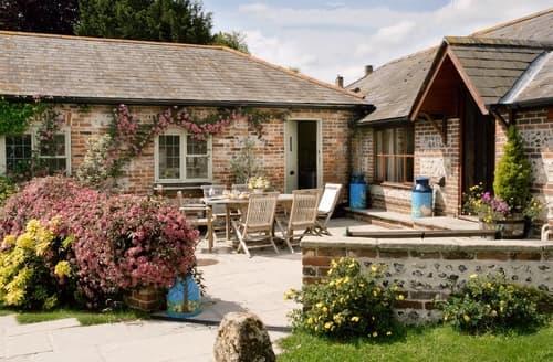Big Cottages - Inviting Dorchester Cottage S19738