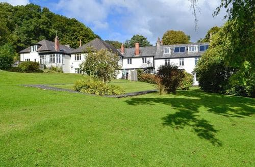 Last Minute Cottages - Lyme - DQN