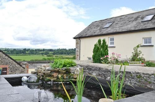 Last Minute Cottages - Superb Llandeilo Apartment S60265