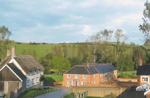 Last Minute Cottages - Adorable Beaminster Cottage S19618