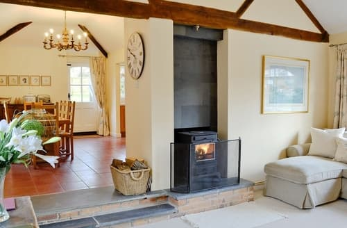 Last Minute Cottages - The Old Forge - DUS