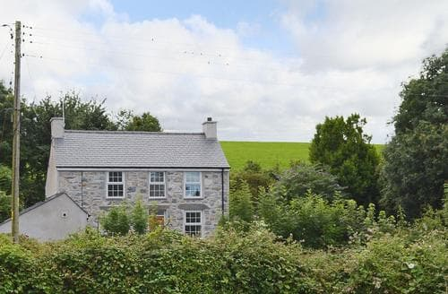 Last Minute Cottages - Cosy Caernarfon Cottage S69721