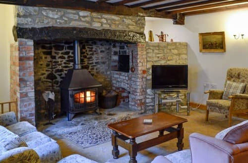 Last Minute Cottages - Woodmans Cottage