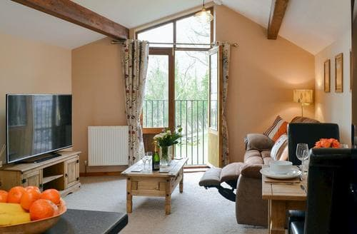 Last Minute Cottages - Y Bwthyn Pren