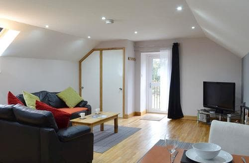 Last Minute Cottages - Stunning Aberaeron Apartment S76897