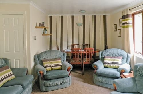 Last Minute Cottages - Rosecraddoc Manor - Riverbank