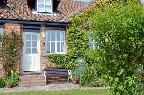 Last Minute Cottages - Apple Tree Cottage - E1800
