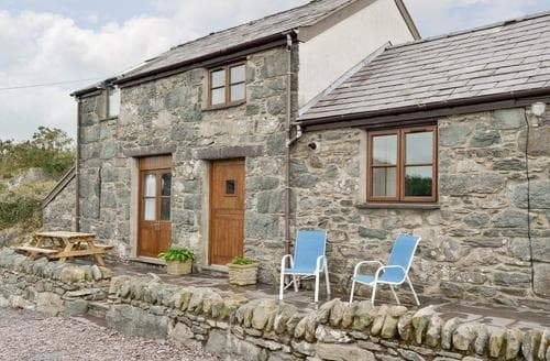 Last Minute Cottages - Delightful Bangor Cottage S83054