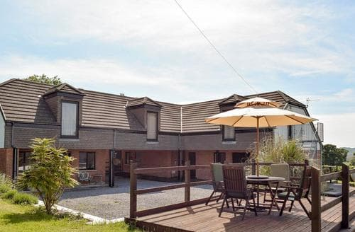 Big Cottages - Tasteful Gower Peninsula Cottage S81531