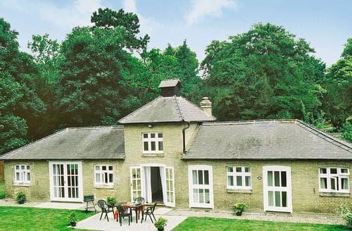 Last Minute Cottages - Luxury Bury St Edmunds Cottage S17840