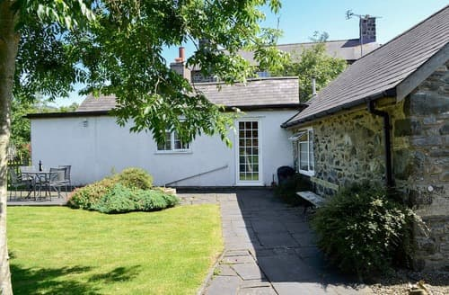 Last Minute Cottages - Wonderful Aberdovey Cottage S83097