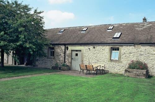 Last Minute Cottages - Poppy's Barn - E3067