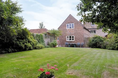 Last Minute Cottages - The Stable-E2836