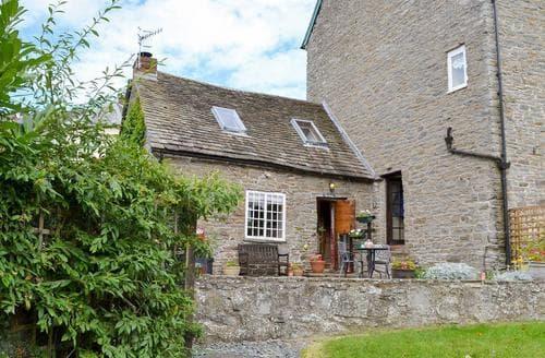 Last Minute Cottages - Luxury Bishops Castle Cottage S16703