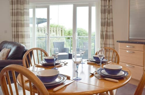 Big Cottages - Exquisite Llanelli Apartment S101610