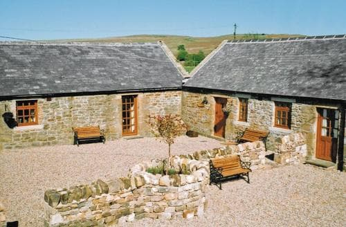 Last Minute Cottages - Farmhouse Cottage - E3332
