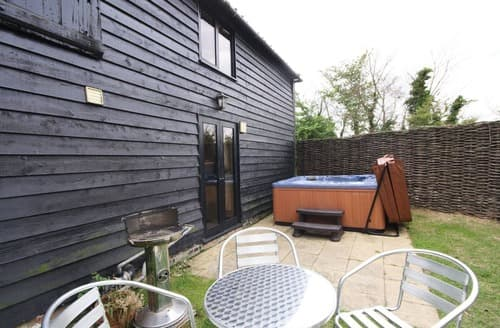 Last Minute Cottages - The Cart Lodge-E3568