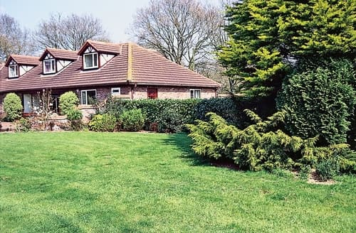 Last Minute Cottages - Captivating Norwich Cottage S17579
