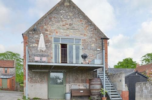 Last Minute Cottages - Little Burcott Loft