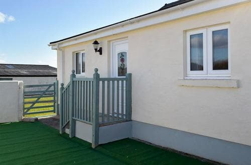 Last Minute Cottages - Exquisite Laugharne And Llansteffan Cottage S94768