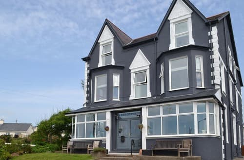 Big Cottages - Captivating Criccieth Cottage S98143
