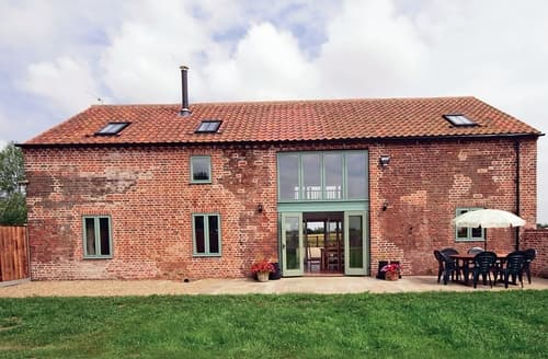 Last Minute Cottages - Low Farm Barn - E4052