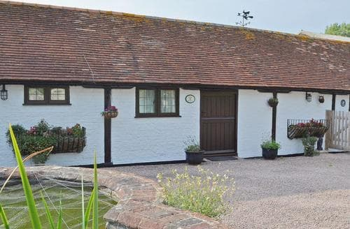Last Minute Cottages - Luxury Eastbourne Cottage S13926