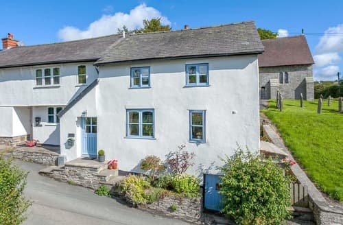 Last Minute Cottages - Charming Knighton Cottage S105747