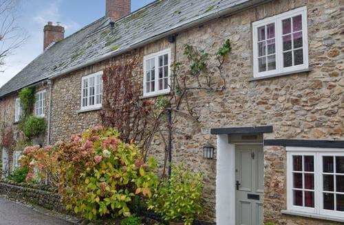 Last Minute Cottages - Excellent Axminster Cottage S73210
