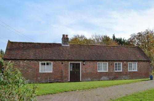 Last Minute Cottages - Lovely Deal Cottage S73184