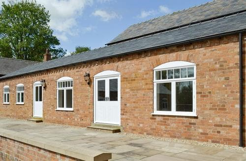 Last Minute Cottages - Quaint Market Rasen Lodge S80602