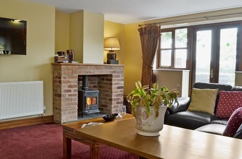 Last Minute Cottages - Rose Cottage - E4791