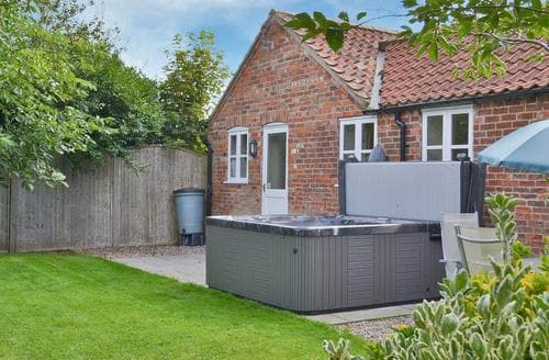 Last Minute Cottages - Wonderful Mablethorpe Cottage S15819