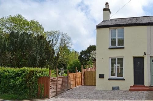 Last Minute Cottages - Superb Newport Cottage S80853
