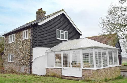 Last Minute Cottages - Tasteful Colchester Cottage S78553