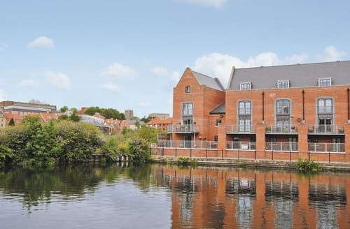 Last Minute Cottages - Baltic Wharf - E5360