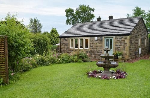 Last Minute Cottages - Splendid Haworth Cottage S78571