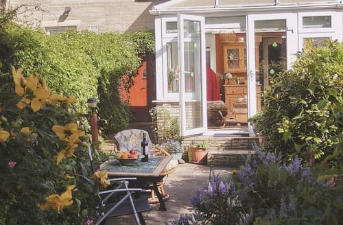 Last Minute Cottages - Castle Garden - E5468