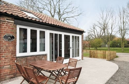 Last Minute Cottages - River Cottage - E5462